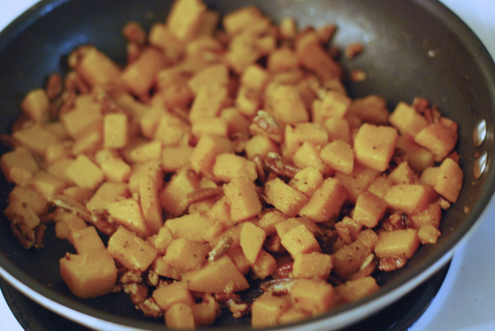 Miss Tracey Nolan: Recipe: Pasta with Butternut Squash and Pecans