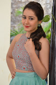 Rashi Khanna latest glam photo shoot-thumbnail-3