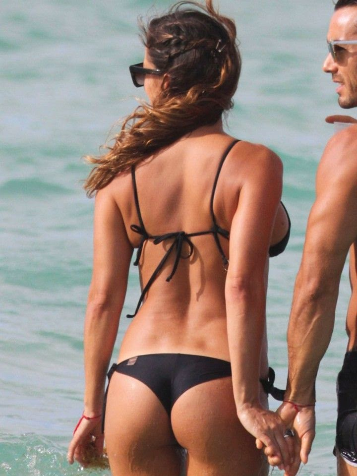 Lola Ponce was pictured hitting the beach in Miami,‭ ‬FL,‭ ‬USA on Friday,‭ ‬May‭ ‬2,‭ ‬2014.