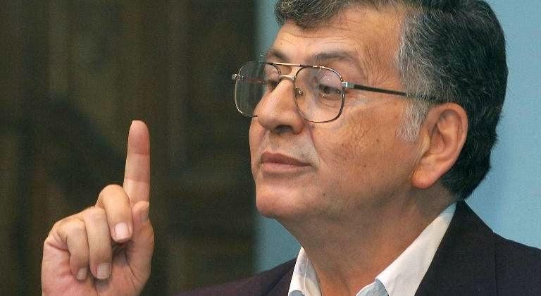 رحيل الشاعر الفلسطيني الكبير سميح القاسم عن عمر يناهز (75 عاما)