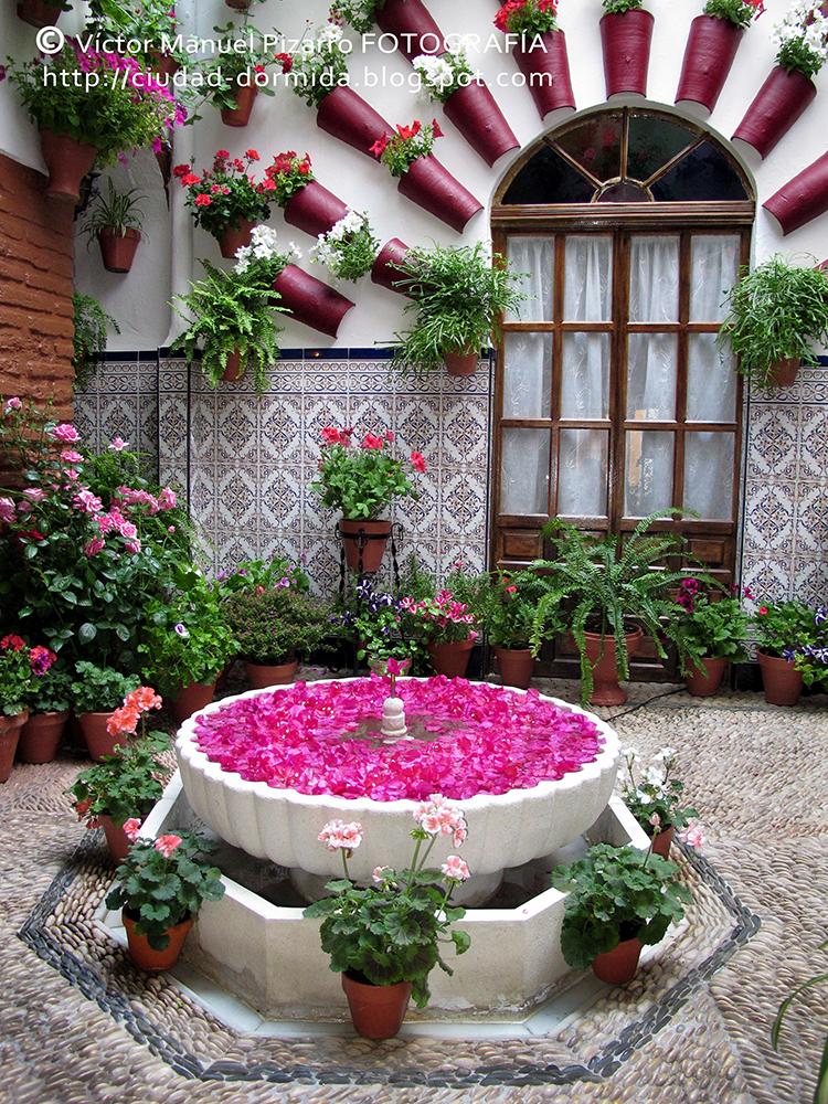 Ciudad dormida festival de los patios de c rdoba - Decoracion casas antiguas ...