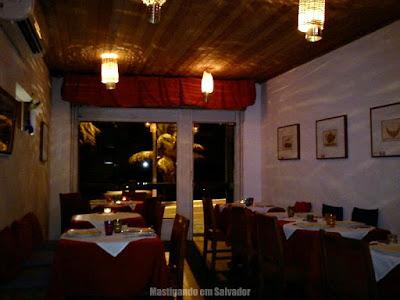 Le Pompon Rouge: Ambiente interno