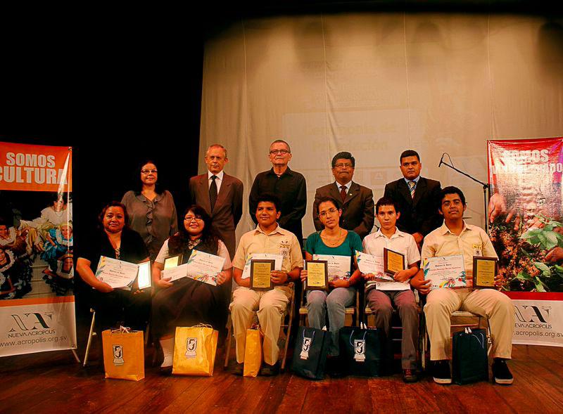 Ganadores del Certamen de Literatura en Cuento y Poesía 2014
