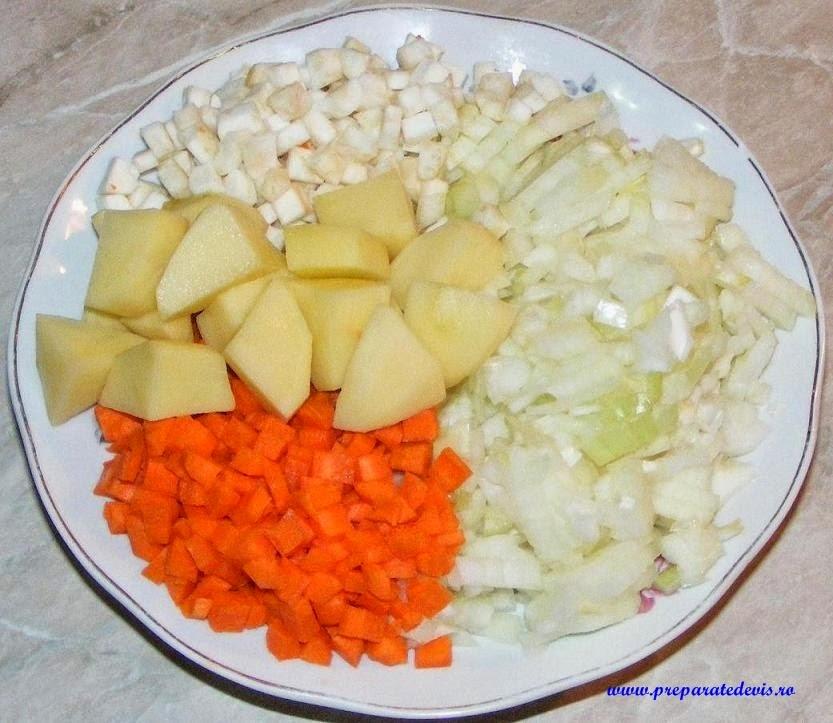 retete si preparate culinare legume proaspete pentru ciorba taraneasca de pui