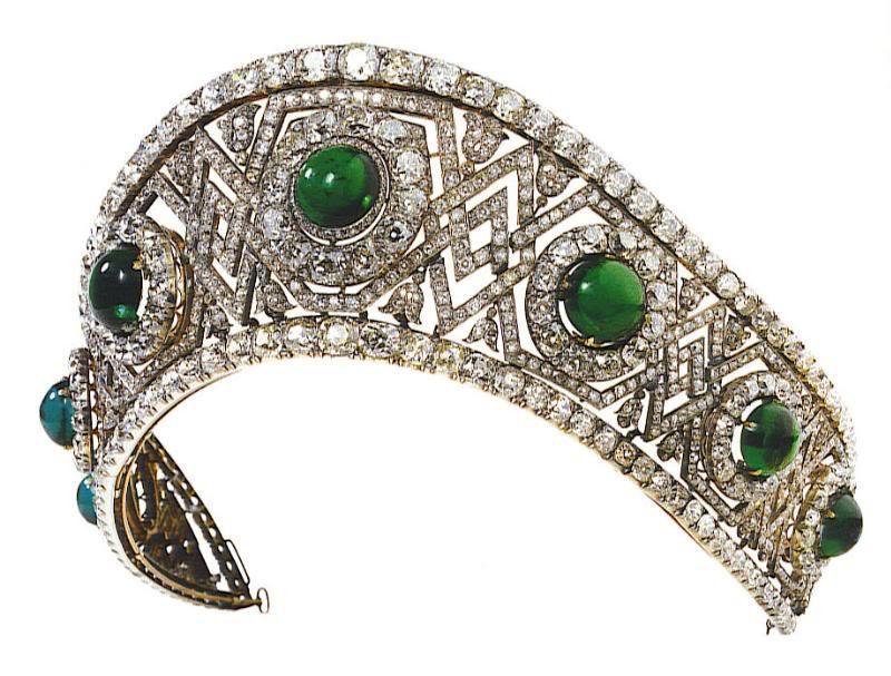 تيجان ملكية  امبراطورية فاخرة Kokoshnik_yugoslavian+tiara+emeralds
