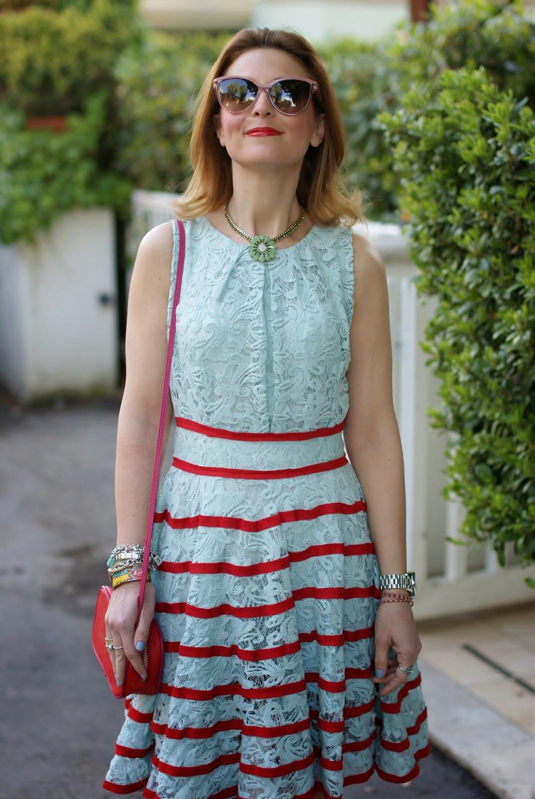 Sodini bijoux flower necklace, chicwish lace dress, bonjour bag, Fashion and Cookies, fashion blogger
