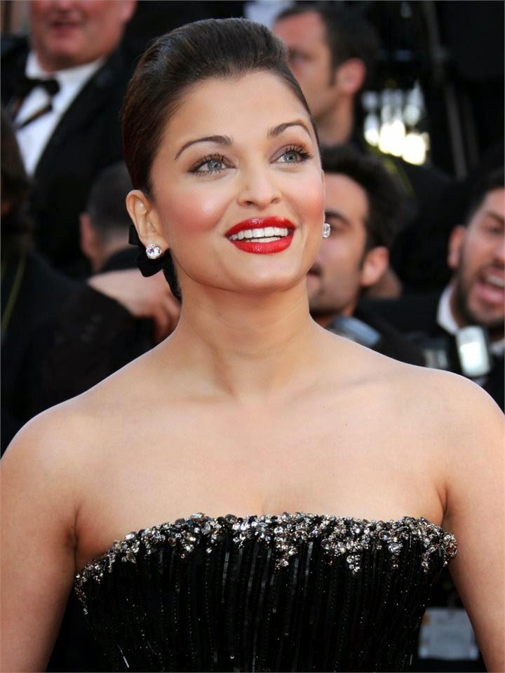 Aishwarya rai bachchan's tight black Gown Hot Braless Pics hd pics