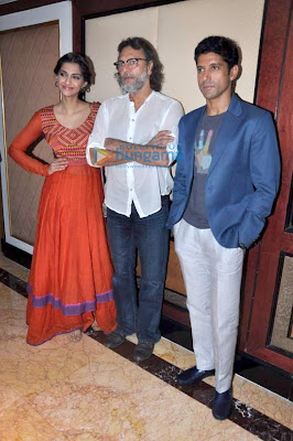 Farhan & Sonam Kapoor promote 'Bhaag Milkha Bhaag'- The Movie is already hit on the screen