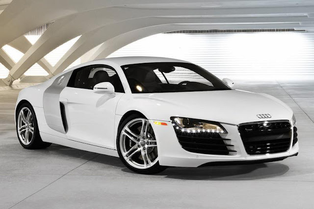 2012 Audi R8 Coupe V8 Front Exterior