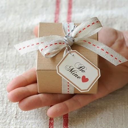 Опаковане на подарък за мъж