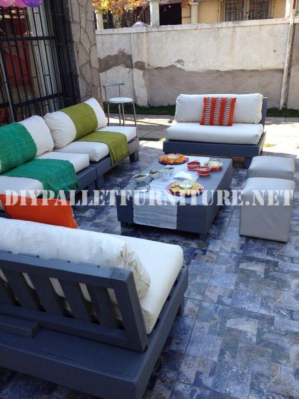 Set de muebles con palets para la terraza for Sillones de patio
