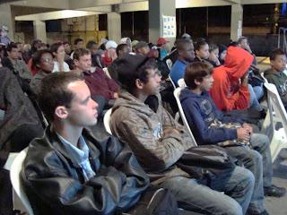 Alunos da EJA participam da palestra do Projeto 'Salva Vidas no Trânsito'