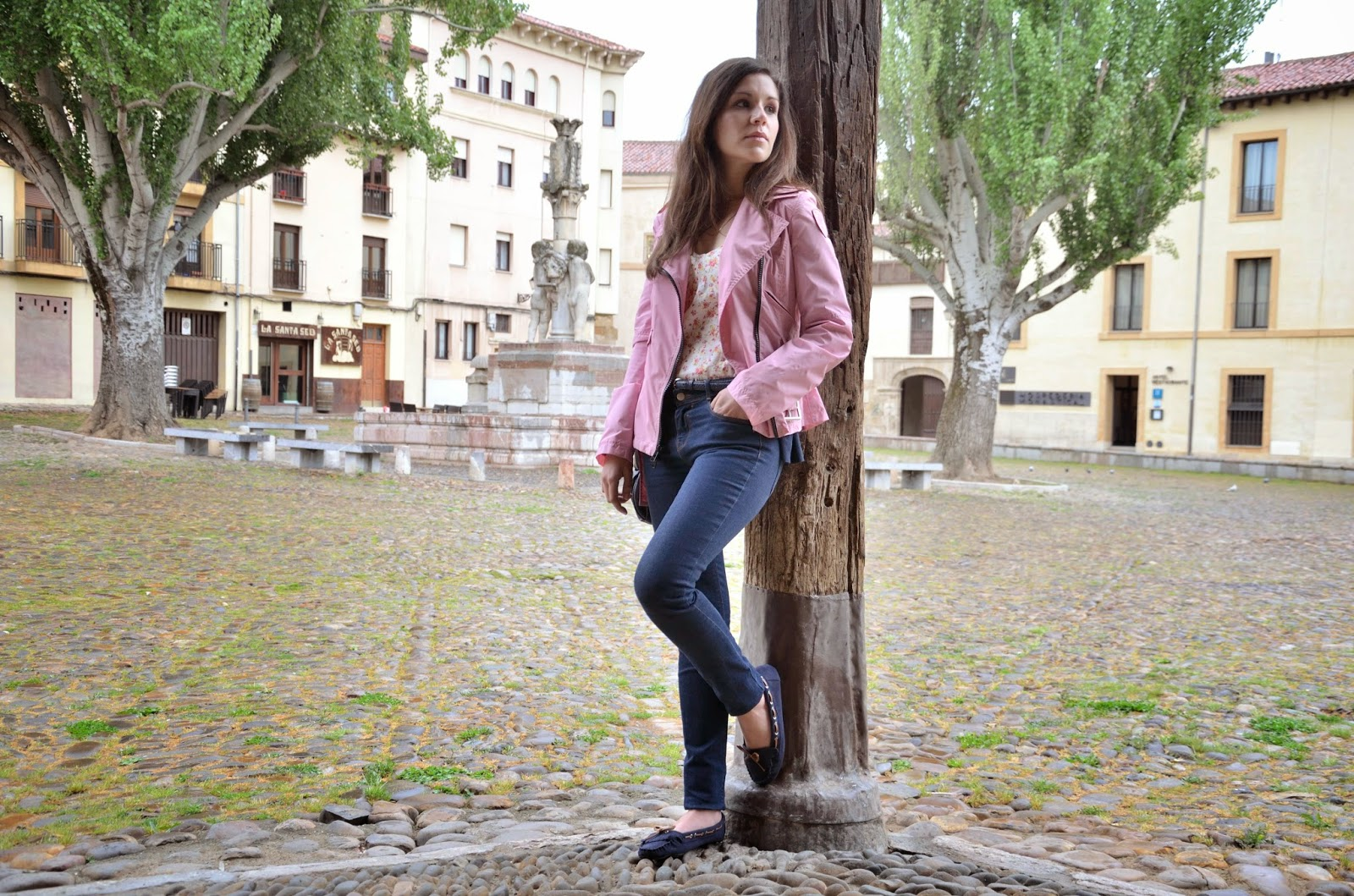 biker-rosa-pink-jeans-flores