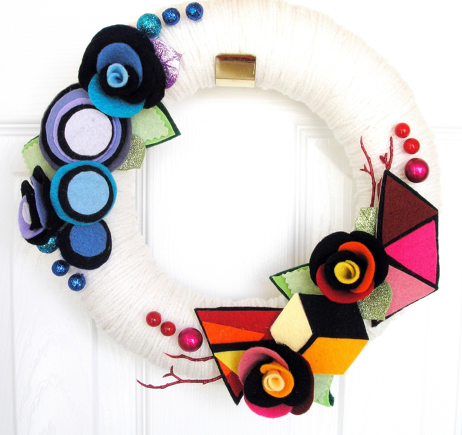 Modern yarn wreath