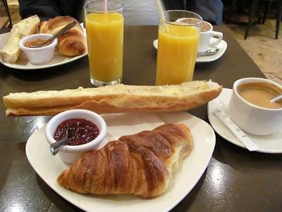Café da Manhã no Le Lutèce