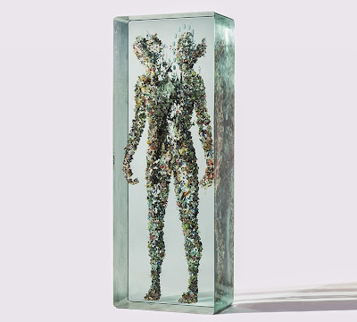 arte contemporaneo con capas de vidrio