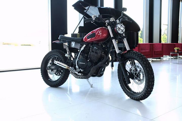 "1988 Honda NX Dominator S1 by Sameiros Motors Sameiros Motors was born on January 1, 2013 in Portugal, two brothers who love bikes, first project, is this 1988 Honda NX Dominator S1, with the nickname ""Lose the Wheels"","