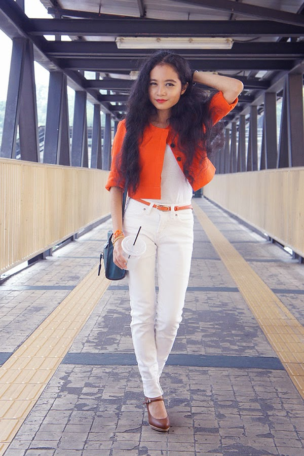 The Big Cleo Shoe Drop 2014, SEA Citizen The Cropped Jacket Tangerine, Tank Top, White Jeans, Summit Pumps, Hush Puppies Sling Bag, Dipped Row Lennox Link Bracelet, Fossil Digital Watch, Orange and White, Cleo Magazine