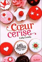 http://lire-relire.blogspot.fr/2013/08/les-filles-au-chocolat-tome-1-coeur.html