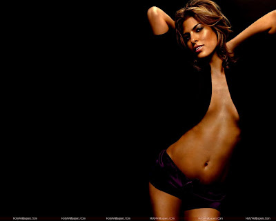 Hollywood Actress Eva Mendes Wallpaper in Bikini