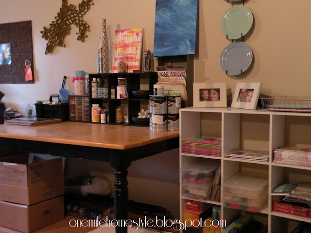 Craft table organization