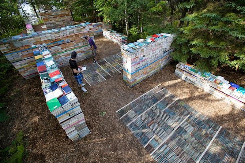 Libros Convertidos en Instalacion, Arte y Reciclaje
