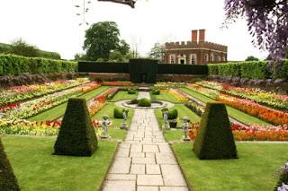 Tempat Wisata Di Inggris - Hampton Court Palace