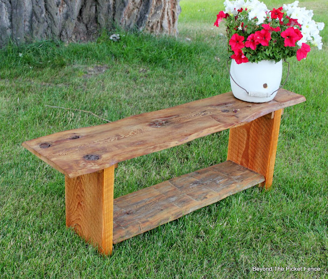 salvaged wood, reclaimed, bench, live edge, build it, beyond the picket fence, http://bec4-beyondthepicketfence.blogspot.com/2015/08/live-edge-reclaimed-wood-bench.html