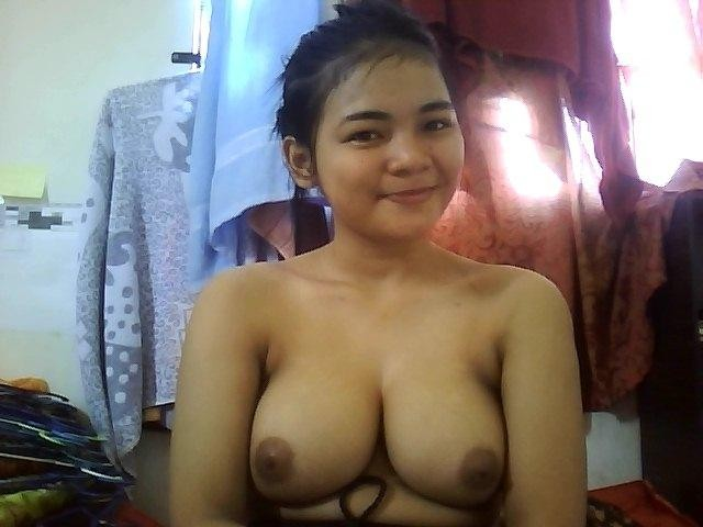 wife nude in carwash