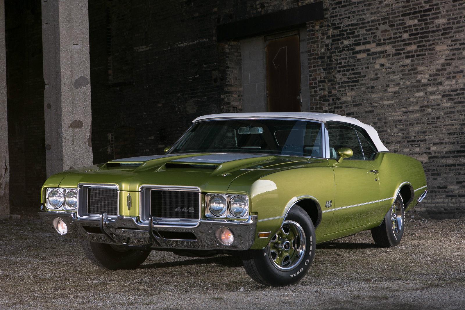 All American Classic Cars: 1971 Oldsmobile 4-4-2 2-Door Convertible