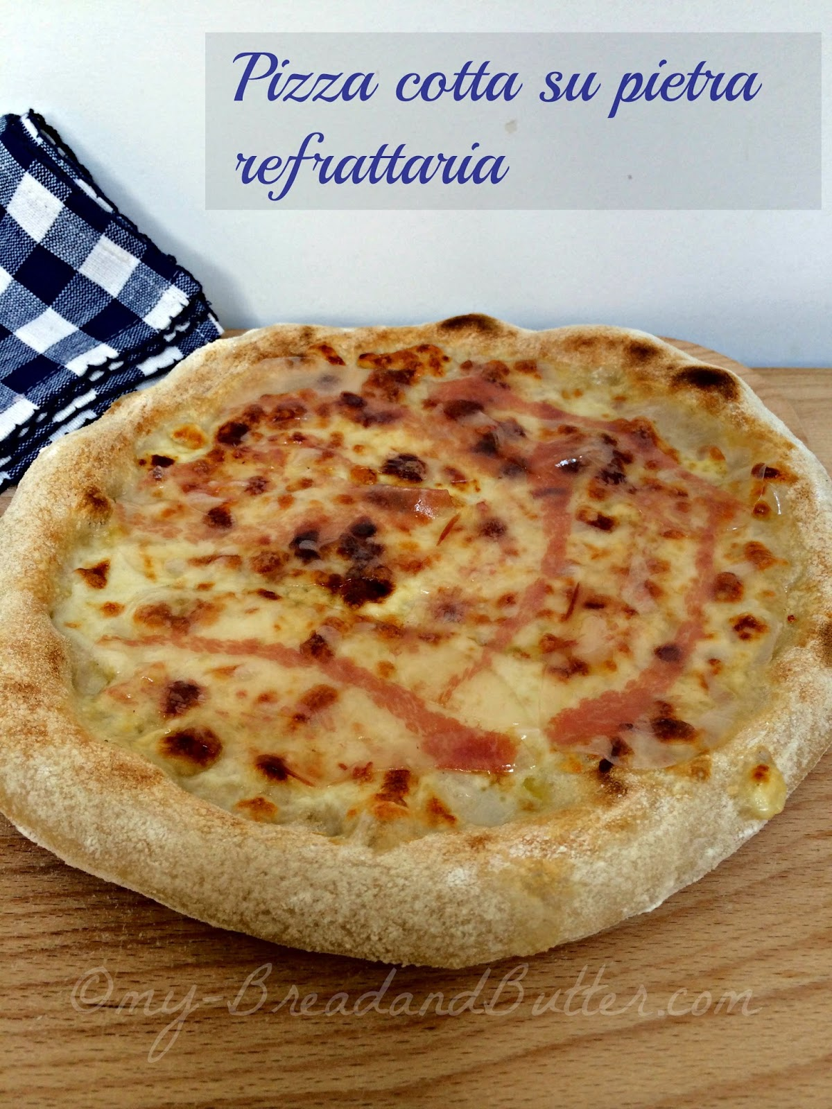 Pizza con scamorza affumicata e guanciale