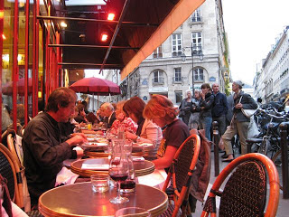 In love at first bite mon petit moule frite - Le comptoir du relais restaurant reservations ...