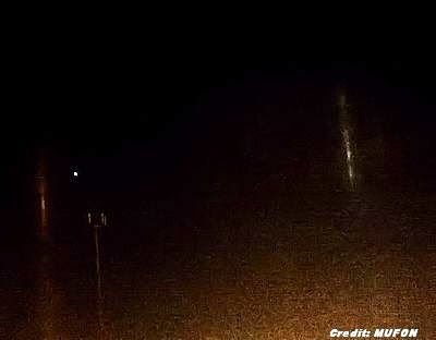 UFOs Emitting Beams of Light Reported Over Illinois 11-18-13