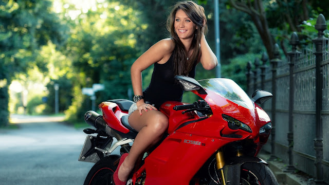 Girl ducati 1098s HD Wallpaper