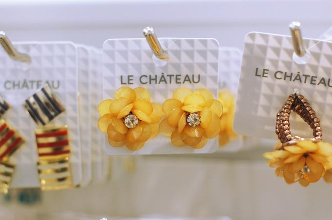 Le Château flower earrings