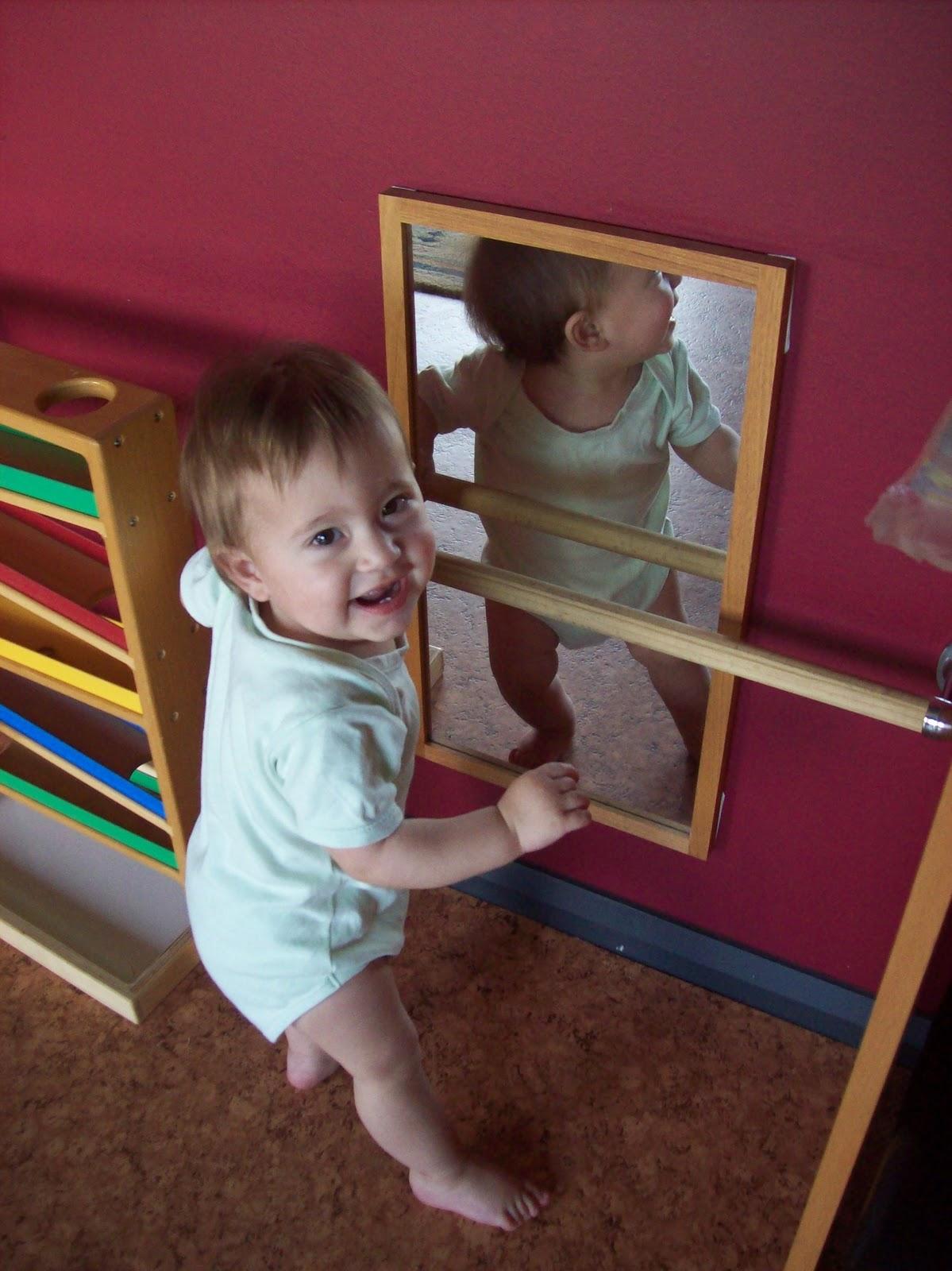 Infantil aprender es f cil un dormitorio montessori for Espejo montessori