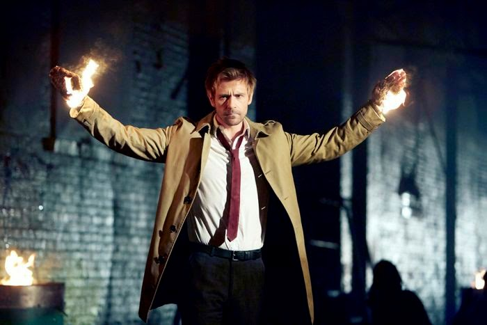 Constantine. Piloto. Fuego