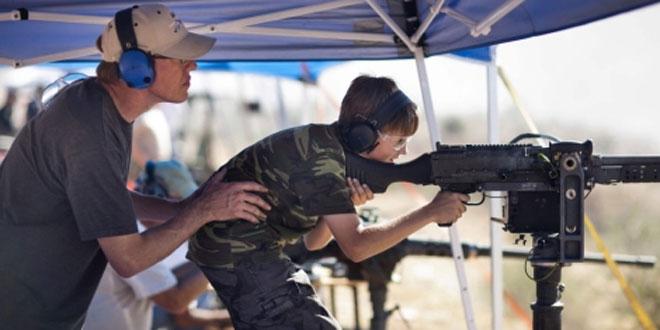 "Iglesias ""cristianas"" imparten clases de tiro para atraer feligreses"
