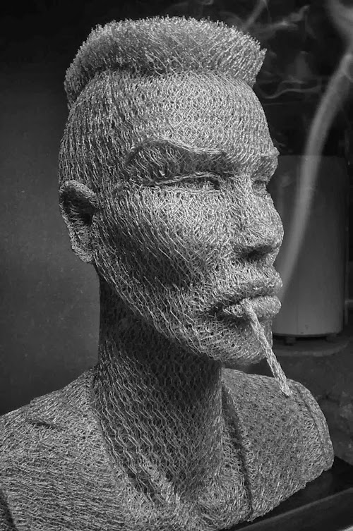 22-Grace-Jones-Chicken-Wire-Sculptures-Sculptor-Ivan-Lovatt-www-designstack-co
