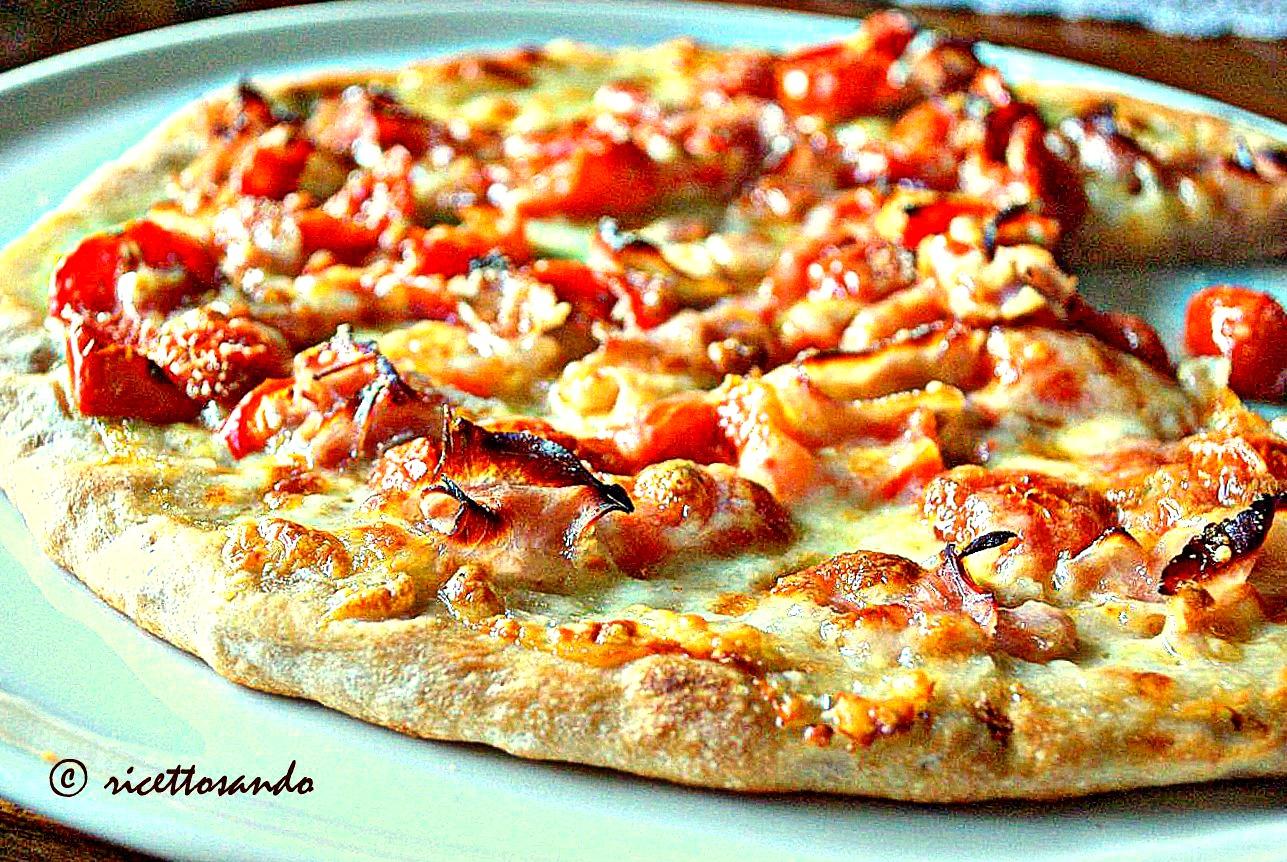 pizza fatta in casa con lievito madre ricetta  al prosciutto