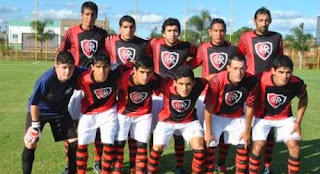 http://1.bp.blogspot.com/-4aooHxvcYkk/U9RyMI1qf7I/AAAAAAAAAvQ/ONganrkRnVQ/s1600/Equipo+Rivadavia.jpg