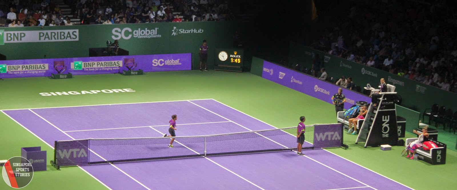 WTA Finals Singapore Ballkids tending to Ana Ivanovic and Simona Halep - Tennis