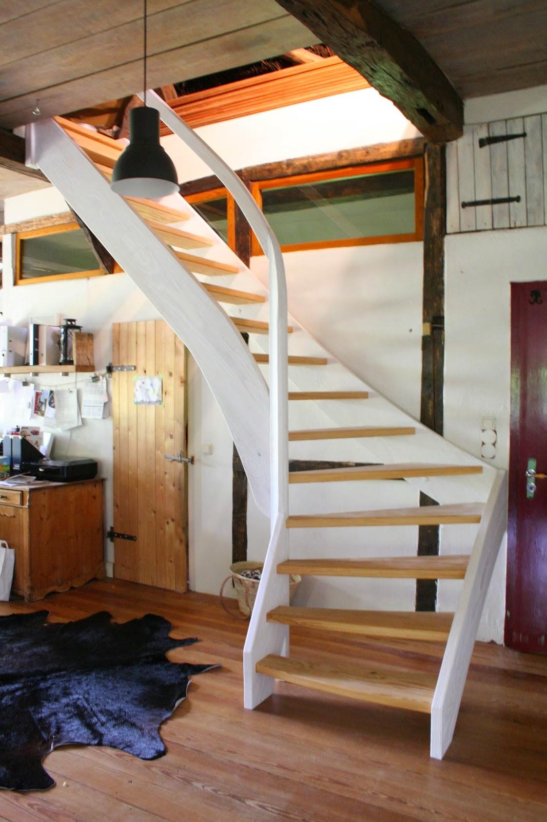 reetselig ich liebe unsere neue treppe zum heuboden. Black Bedroom Furniture Sets. Home Design Ideas