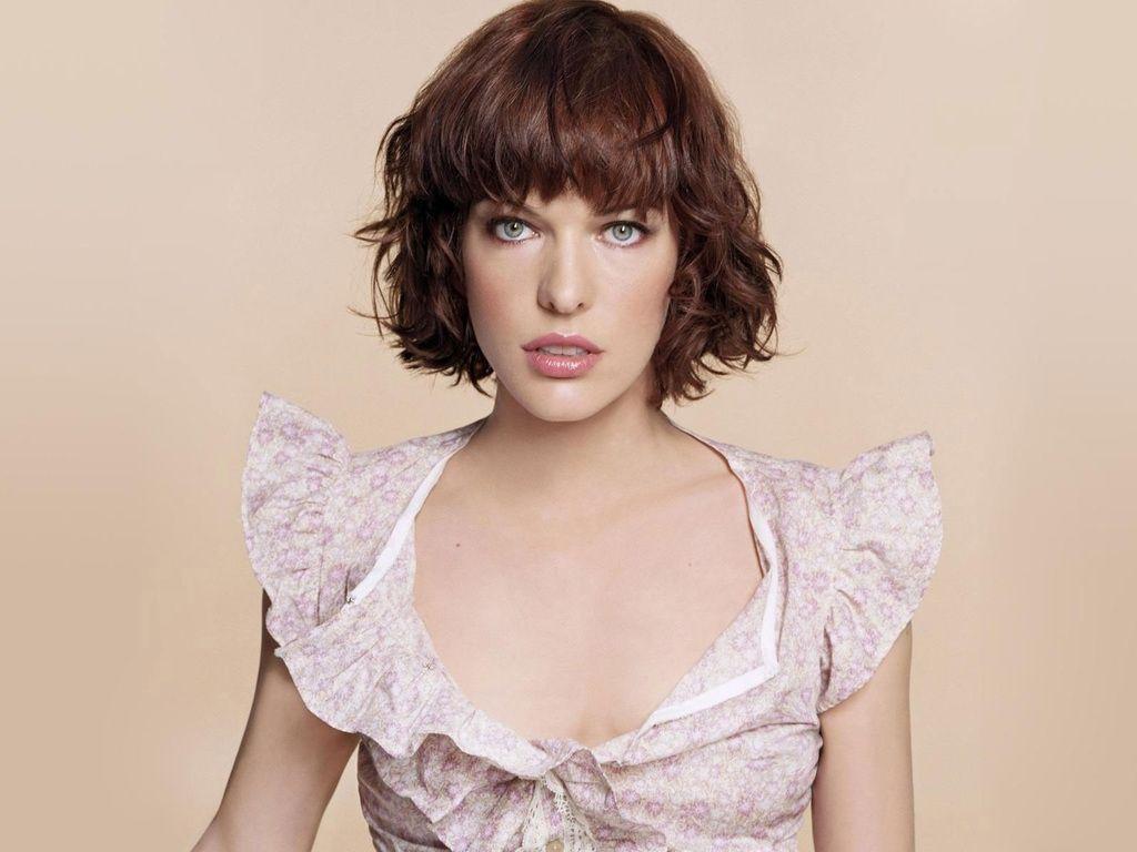 http://1.bp.blogspot.com/-4bS6ZHOWWWY/TwAaUsmfetI/AAAAAAAAURw/A9A-V4uB4hA/s1600/Milla-Jovovich-Look-by-hqwallpaper.in.jpg