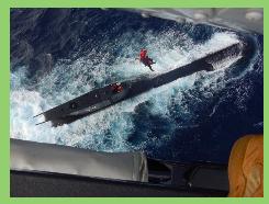 """La Armada de Colombia asiste en el Caribe a un tripulante del submarino peruano """"Islay"""""""