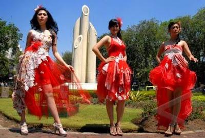 Motif Baju Batik Nasional Merah Putih Desain Modern Wanita
