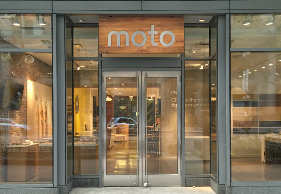 Moto Shop: Chicagoans get an Experiential Retail Shop this Holiday Season