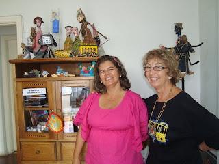 """Autora do livro """"Dadi e o Teatro de Bonecos"""""""