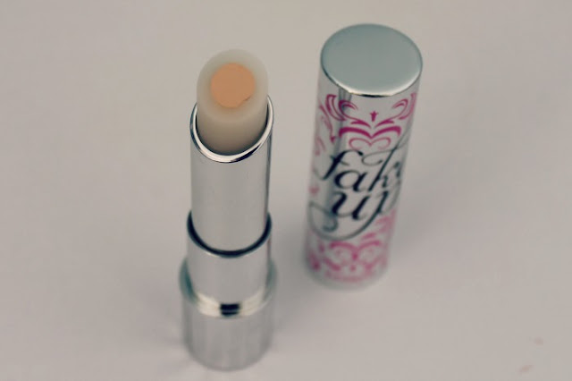 Benefit Fake Up Concealer Light