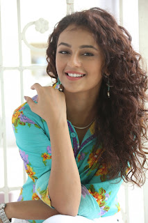 Seerat Kapoor Latest Stills (4).jpg